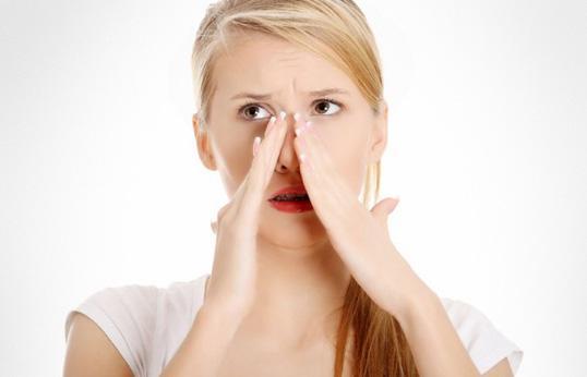 Болять пазухи носа – що робити, як зняти набряк, причини запалення