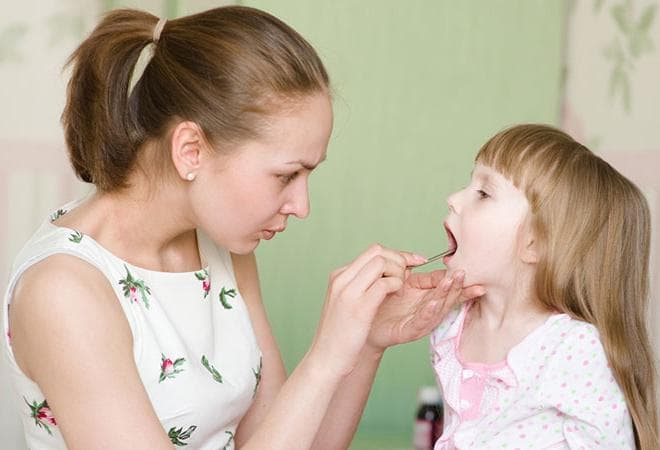 Часто болить горло у дитини що робити