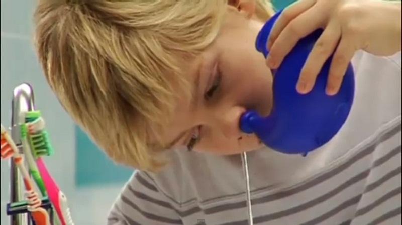 Чим промивати ніс дитині при аденоїдах