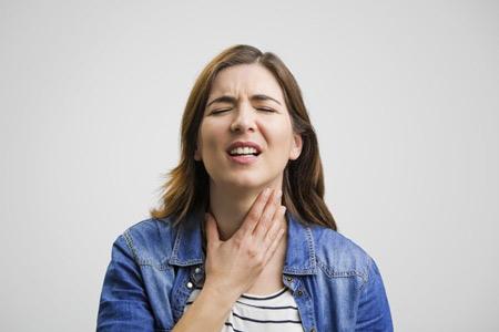 Чому дере горло і що з цим робити