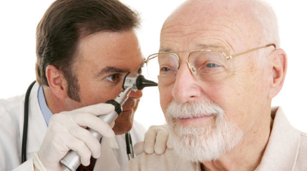 Чому з вуха тече жовта, прозора, коричнева рідина, гній? З вуха виділяється гній, рідина: лікування аптечними препаратами. Краплі і антибіотики для лікування виділень з вух: список