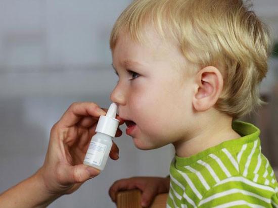 Діоксидин в ніс дітям: як краплі від нежитю, інструкція по застосуванню