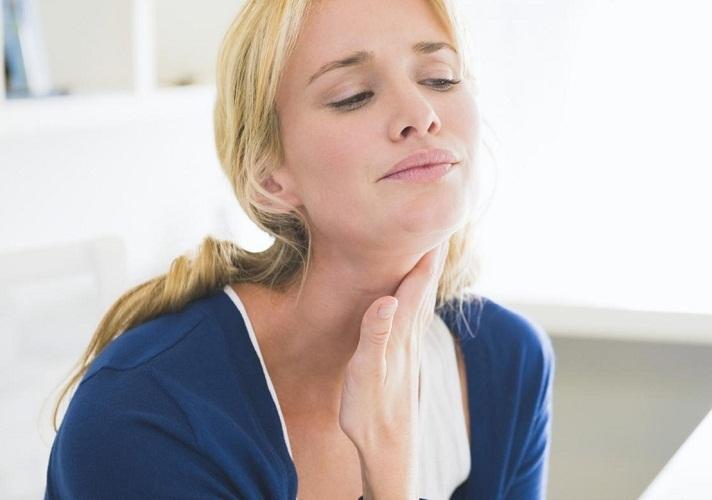 Ком у горлі – причини, як позбутися відчуття грудки в горлі
