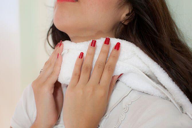 Лікування ангіни з допомогою компресів