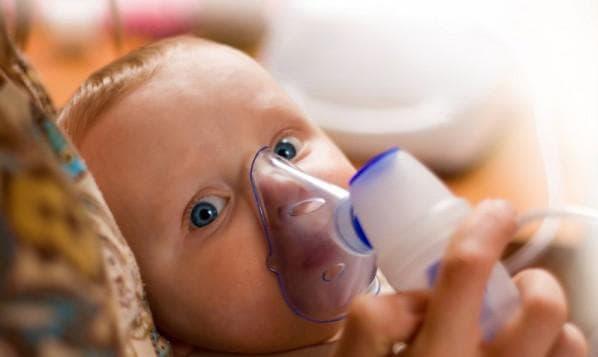 Інгаляції при ларингіті небулайзером: препарати для складів в апарат для дорослих і дітей