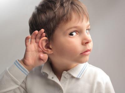 Що робити коли закладає вухо але воно не болить
