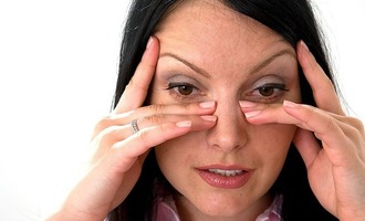 Що робити, якщо болять лобові пазухи носа причини і лікування