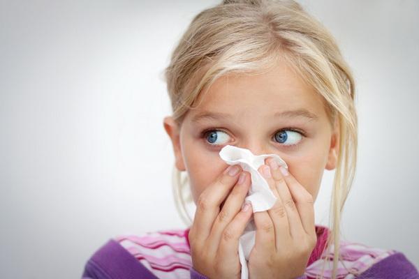 Що робити якщо ніс закладений і соплі не высмаркиваются
