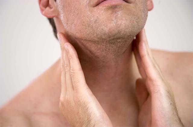 Що робити, якщо опухли лімфовузли на шиї праворуч або ліворуч