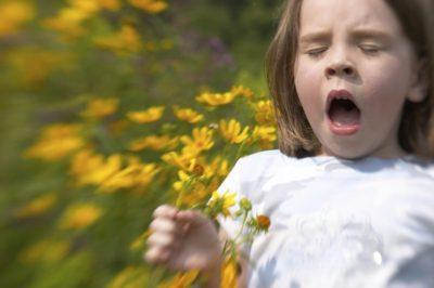 Що робити якщо у дитини нежить і сльозяться очі?