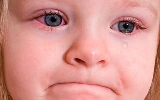 Що робити якщо у дитини соплі течуть ручьм