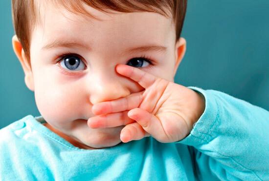 Що робити якщо у грудної дитини закладений ніс