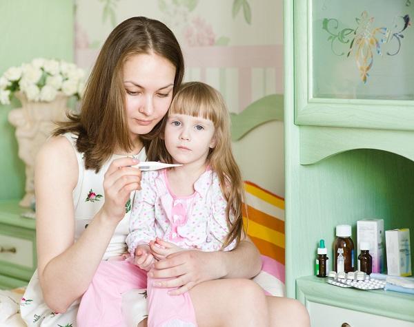 Тече кров з носа при температурі у взрослго дитини причини