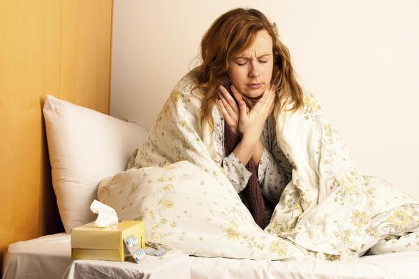 У чому різниця між ангіною і тонзилітом відмінності в симптоми і методи лікування