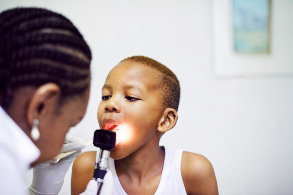 У дитини болить горло боляче ковтати