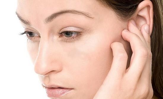Вушні краплі при закладеності вуха. Які препарати використовувати після застуди?