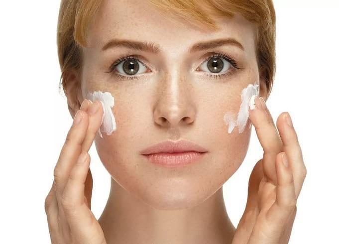 Як позбутися від пігментних плям на обличчі народними засобами