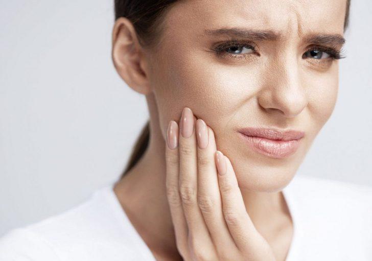 Як позбутися від зубного болю в домашніх умовах швидко