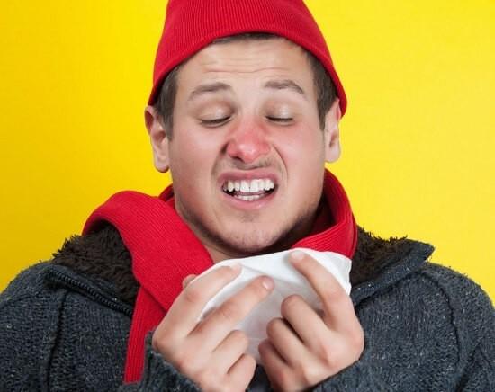 Як правильно гріти ніс сіллю