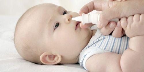 Як правильно відсмоктати соплі у новонародженого з допомогою назального аспіратора?