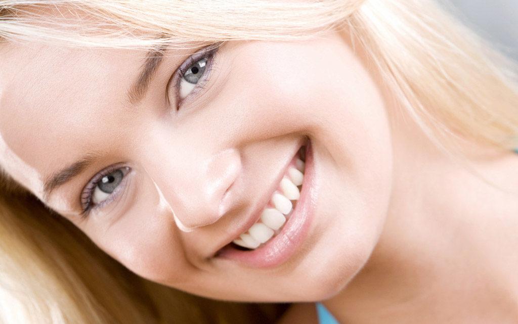 Як прибрати вусики над губою. Прибираємо вусики над губою. У статті розповідається про те, якими способами можна прибрати вусики над губою.
