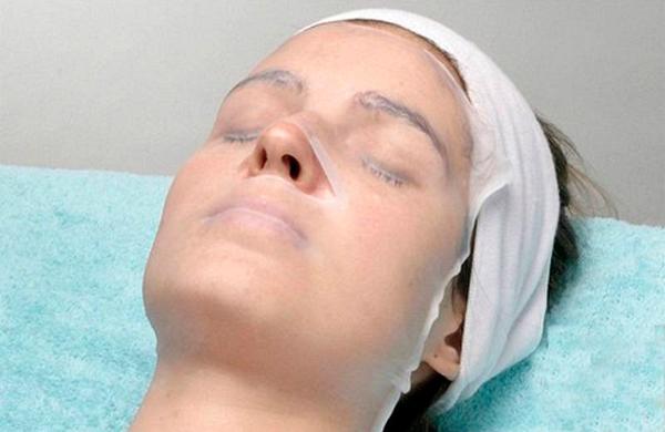 Як прибрати зморшки над верхньою губою: салонні процедури і народні засоби