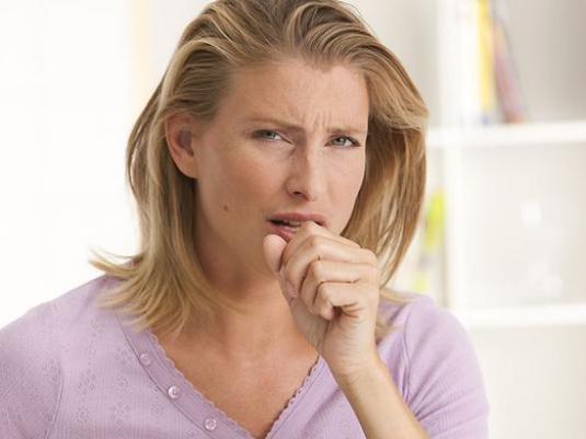 Які причини тривалого сухого кашлю у дорослого