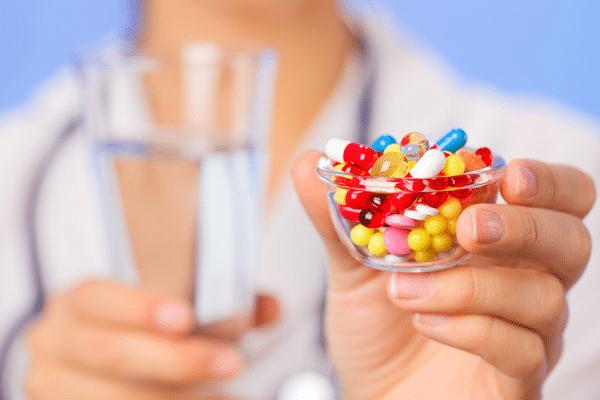 Які приймати антибіотики при ангіні у дорослого