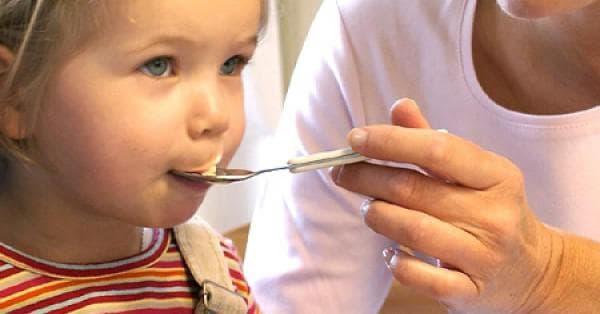 Як приймати дитячу суху мікстуру
