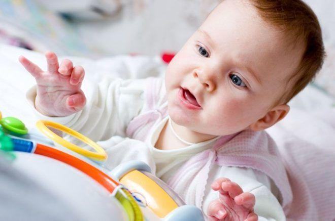 Зігріваючі мазі при кашлі у дітей