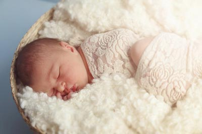 Зелені соплі у новонародженого причини і лікування